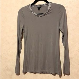 Banana republic silver gray silk neckline blouse